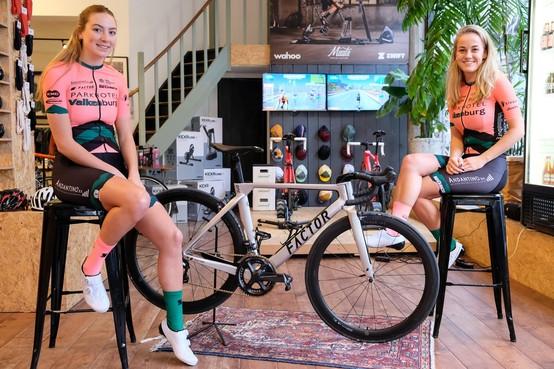 Elk jaar een stapje hoger: Vrouwenploeg Parkhotel Valkenburg mag starten in alle grote wielerwedstrijden