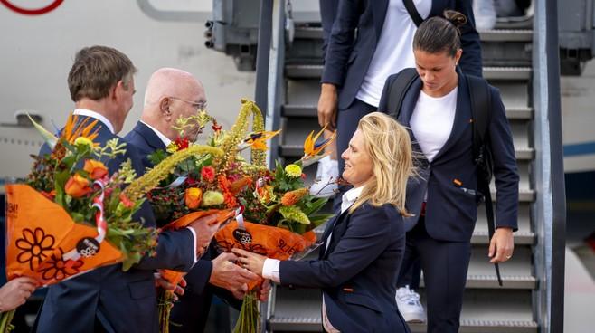 Opinie: Succes van Oranje Leeuwinnen is geen garantie voor de toekomst; nu moeten de clubs opstaan
