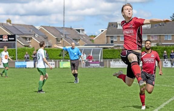 De overschrijvingsperiode in het amateurvoetbal zit erop: wie voetbalt komend seizoen waar in West-Friesland?