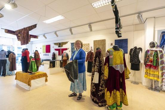 Het Textile Research Centre aan de Hogewoerd in Leiden herbergt 25.000 stuks kleding en textiel
