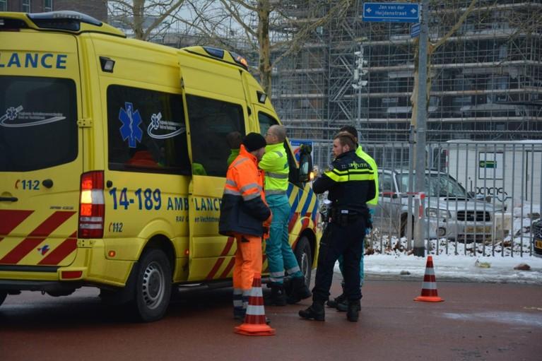 Oudere vrouw gewond bij aanrijding met pick-up-truck in Hilversum