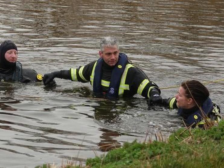 Auto belandt in water in Oudesluis, bestuurster overleden