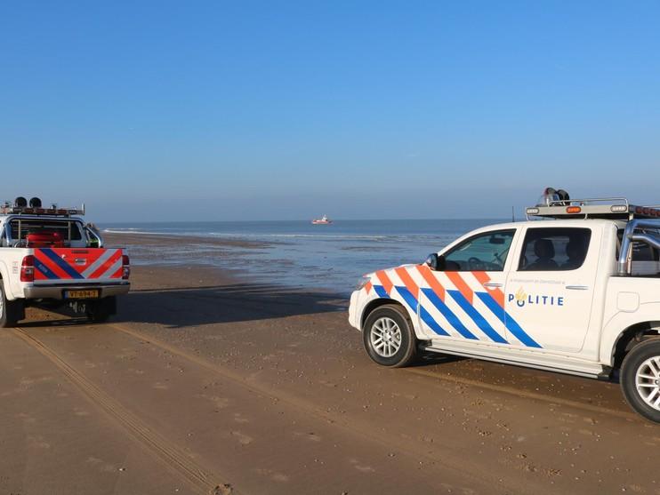Flinke zeehond aangezien voor lichaam in zee bij Katwijk