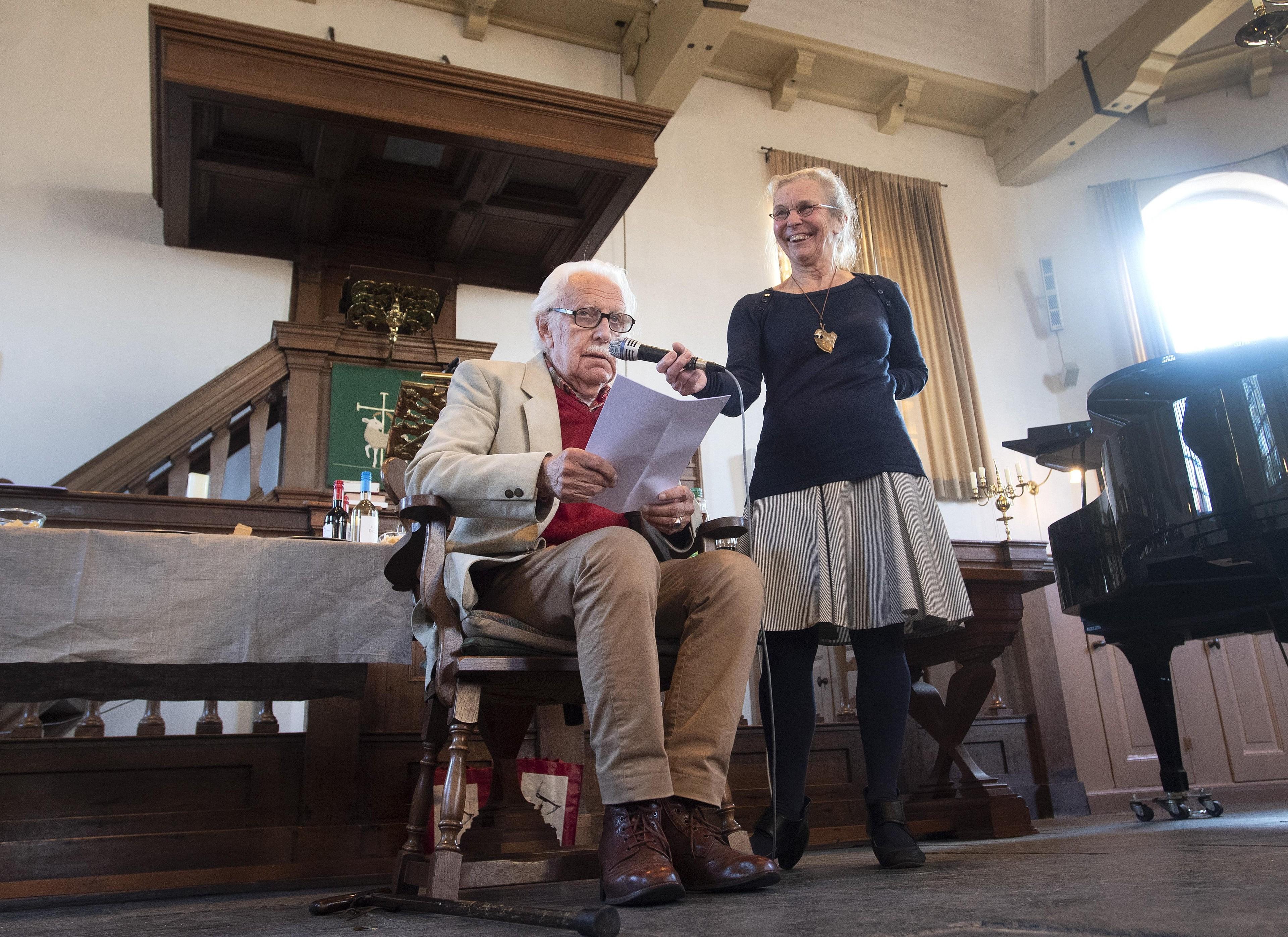 Citaten Gerrit Komrij : Jaap ploos van amstel blijft prikkelen