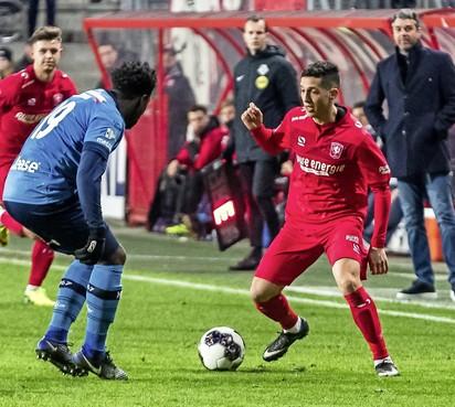 Mo Hamdaoui ontmoet met FC Twente zijn oude club Telstar: 'Deze wedstrijd is speciaal'