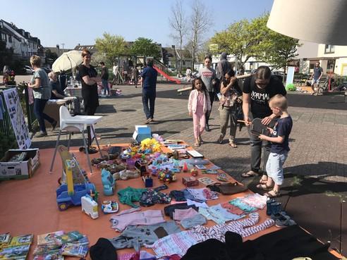 Inzameling voor speeltuin in Boatex
