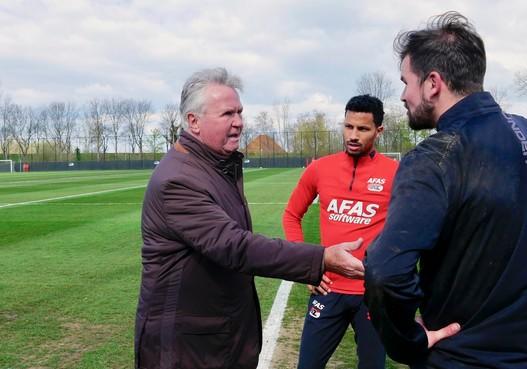 Guus Hiddink ziet AZ op jacht gaan naar zege op ADO Den Haag