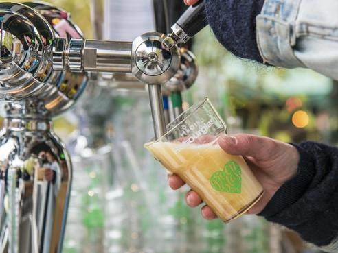 Noordwijk wil alternatief voor plastic wegwerpbekers