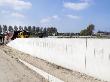 Onthulling monument neergeschoten vlucht MH17 in Vijfhuizen [live-stream]