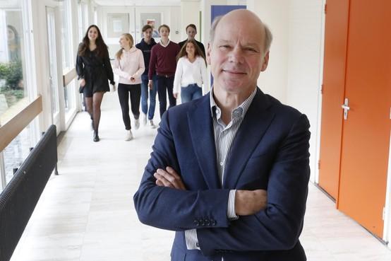 Het verdriet over MH17 laat Johan Veenstra nooit meer los: 'Verdoofd was ik toen ik hoorde dat leerlingen van ons aan boord zaten'