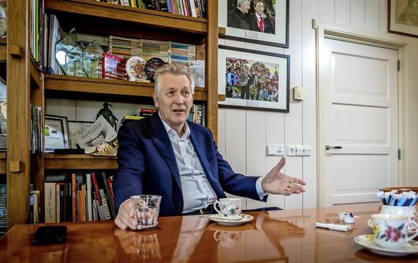 Voormalig AZ-voorzitter Dirk Scheringa over ingestort dak: 'Ik dacht: deze foto's zijn gefotoshopt'