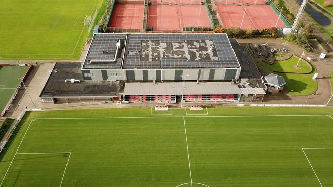De Doorbraak in Warmenhuizen klaar voor de toekomst: vergroening bezorgt sporthalcomplex een flinke 'energieboost'