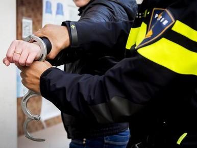 Winkeldieven mishandelen en bedreigen personeel van Jumbo aan Herenhof in Alphen