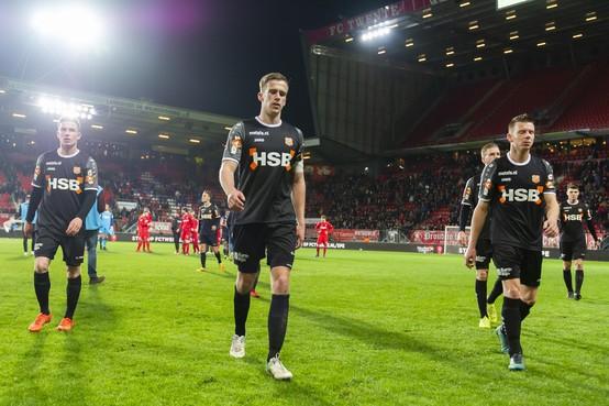 FC Volendam kansloos onderuit bij Twente: Rentree Erik Schouten lichtpuntje