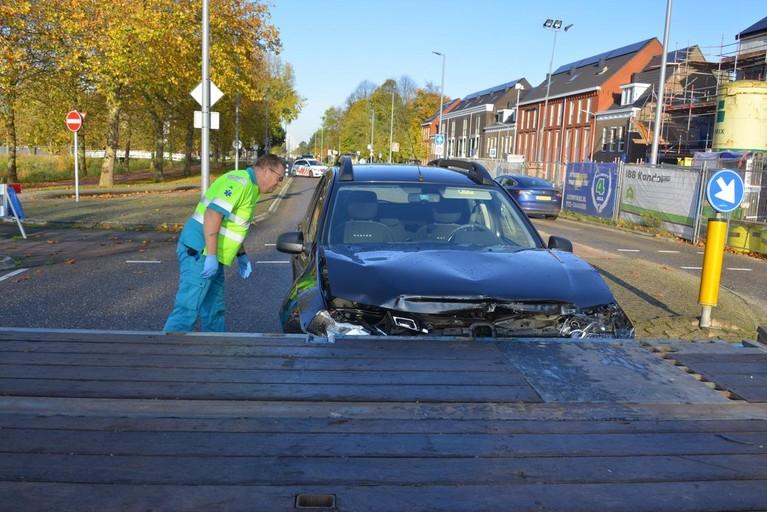 Gewonde bij botsing met vrachtwagen in Hoofddorp