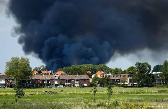 Panden verwoest en gewonden door brand Berkel