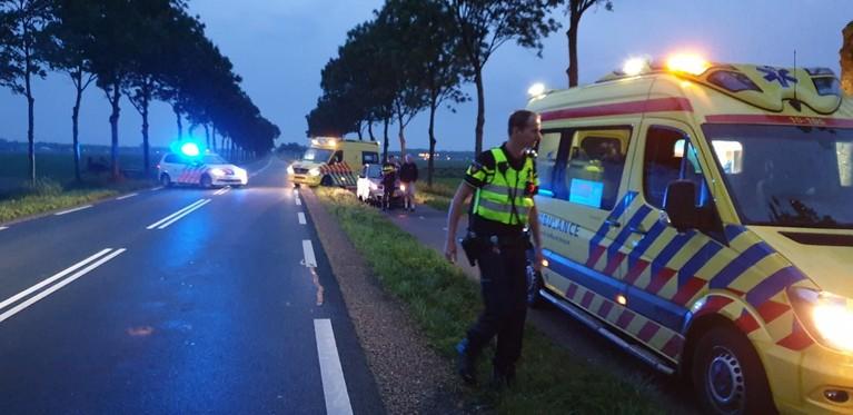 Auto raakt te water langs A.C de Graafweg in Wognum, bestuurder gewond