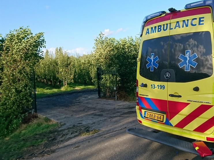 Vrouw zwaargewond bij ongeval in fruittuin Venhuizen
