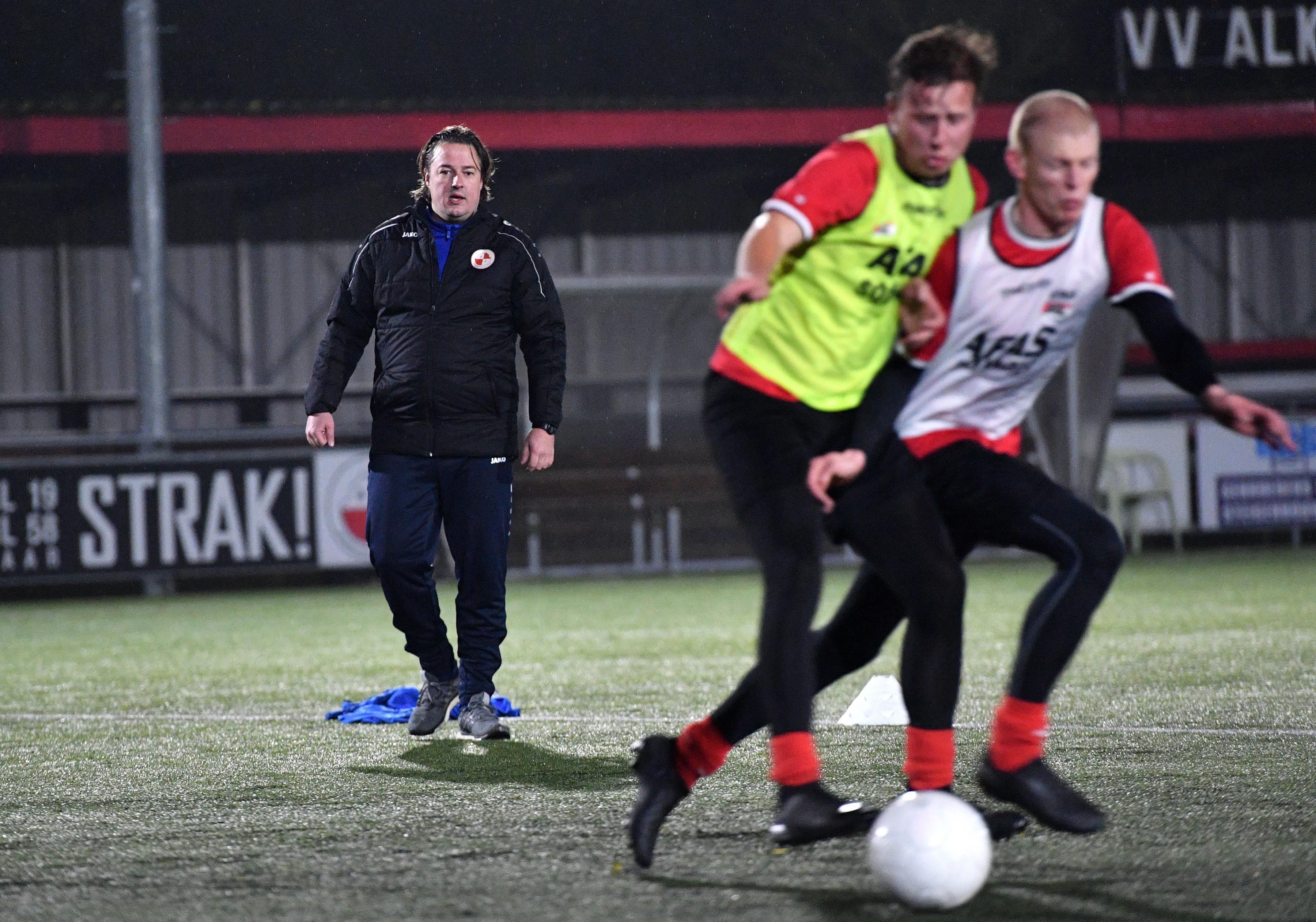 Robin de Haan begint als hoofdtrainer bij Alkmaarsche Boys, de club van zijn jeugd - Noordhollands Dagblad