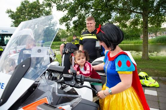 Kinderbeestfeest Purmerend: even op de motor voor vertrek naar Artis