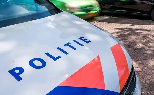 In auto beschoten man in Amsterdam overleden