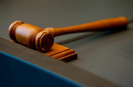 'Rechter moet verblijfsstatus wel meewegen'