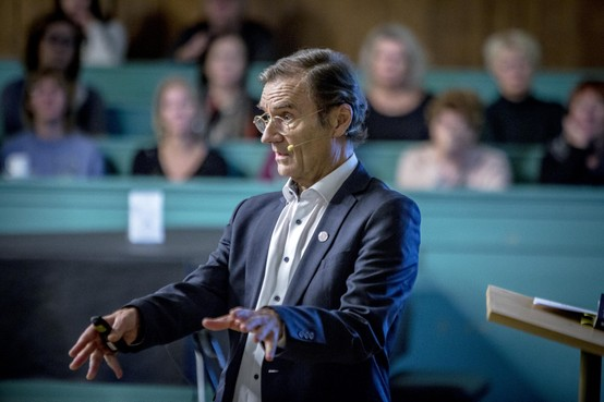 René Diekstra: 'Laten we het woord 'zelfmoord' niet meer pikken'
