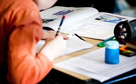 Gemeentebestuur Katwijk: 'Problemen leerlingenvervoer waren onvermijdelijk'