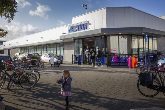 Wat de detailhandelsverenigingen betreft blijft het slot op woonboulevard Ravelijn in Den Helder