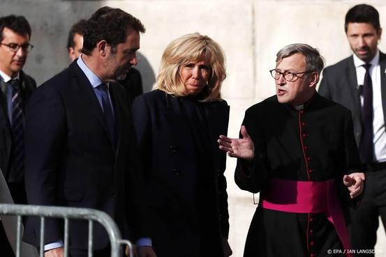 Directeur Notre-Dame wil tijdelijk houten kerk