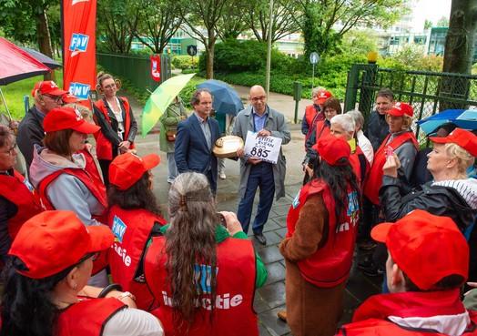 900 handtekeningen voor 'fatsoenlijke werkroosters' bij Evean