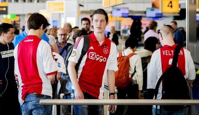 Strenge toegangscontrole bij finale Ajax in stadion Stockholm
