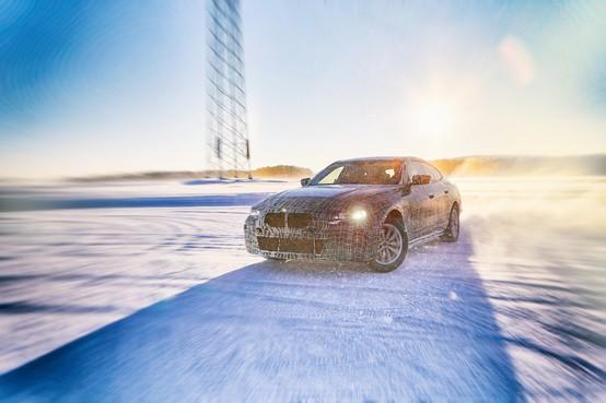 BMW i4 krijgt 600 km bereik en 530 pk