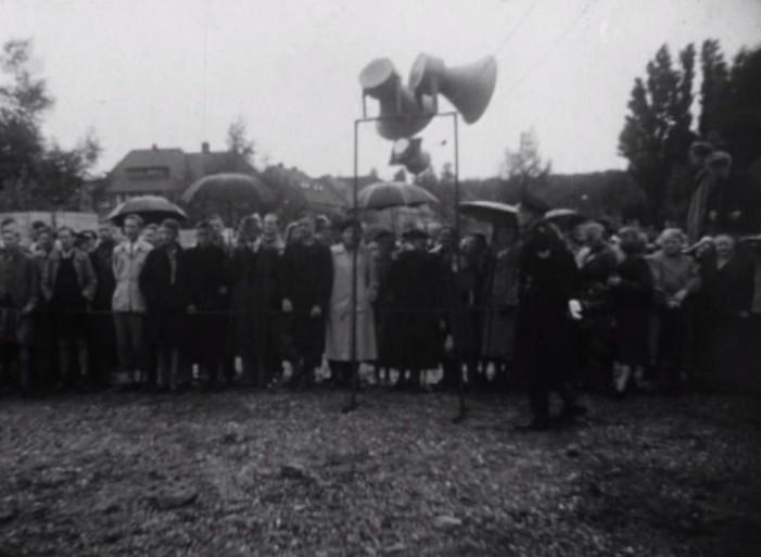 Bewegend Verleden: Prins Bernhard onthult gevelsteen in Alkmaar, 1950 [video]
