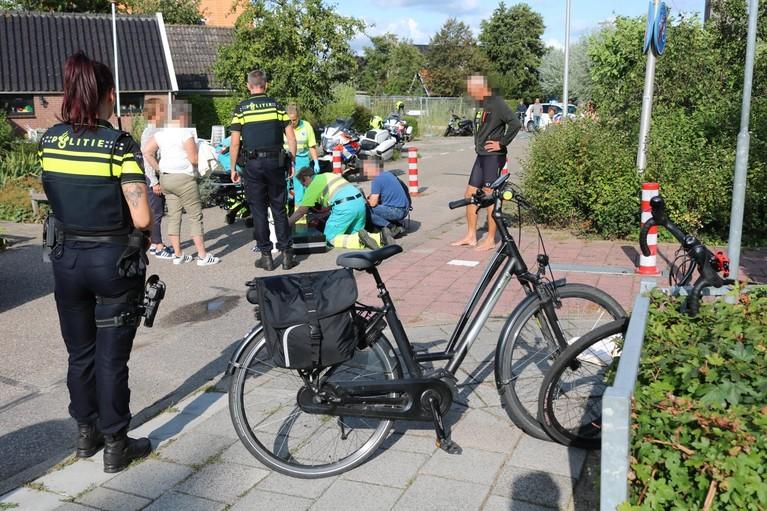 Vrouw gewond bij botsing met fiets in Voorhout