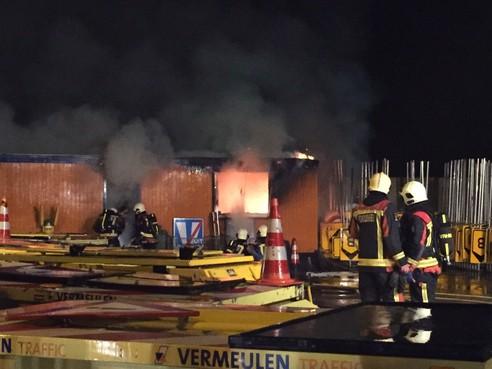 Brand legt bouwkeet in de as in Benthuizen