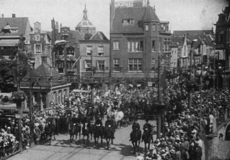 Bewegend Verleden: Universiteit Leiden viert 355-jarig jubilieum, 1930