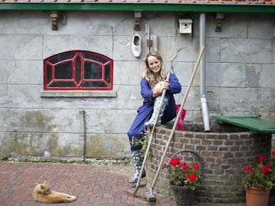Zoeterwoudse Lisa van Veen doet mee aan zoektocht naar beste boerendochter