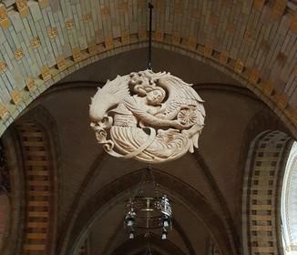 Eiken medaillon in kapel Kerstmis Gilde van Kathedrale Basiliek Sint Bavo