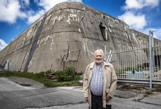 'Velsen in de oorlog boerenerf met een valse hond'; bij Co komen de herinneringen weer boven
