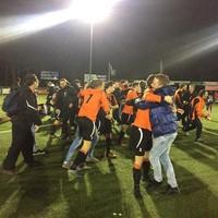 Grote vreugde bij Altius na de gewonnen strafschoppen. Geplaatst voor de halve finales en voor de 'grote KNVB-beker'.