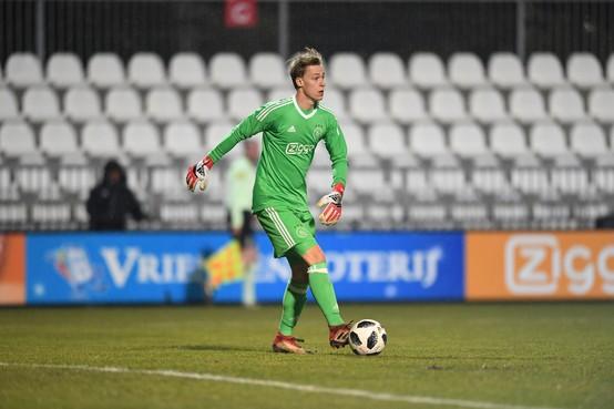 Doelman Stan van Bladeren denkt niet dat hij nog minuten gaat maken bij Ajax: 'Je hebt niet overal vat op'