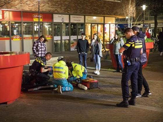 Scootterijder zwaargewond bij crash tegen bankje Haarlem