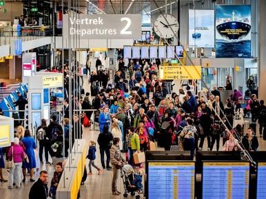Hoog overleg over problemen Schiphol