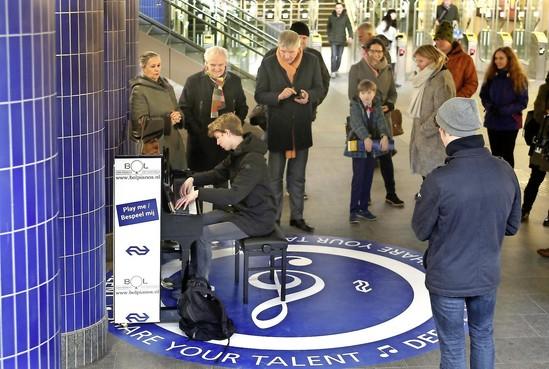 Stationspiano Hilversum al na drie weken beetje stuk