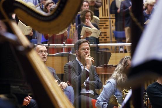 Mark Rutte krijgt muzikale verjaardag in Hilversum