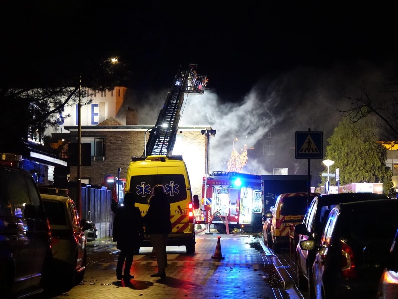 Veel rookontwikkeling bij brand in een huis in Wormerveer - Noordhollands Dagblad