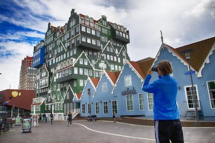 Promotie voor hotelvestiging buiten Amsterdam. In regiogemeenten is nog plek.