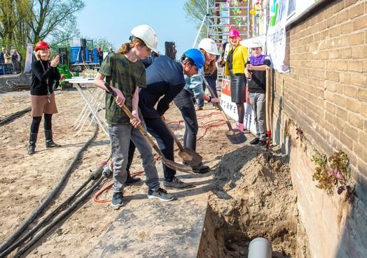 Tijdcapsule markeert technasium; innovatief project op St. Michaël College Zaandam