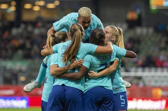 AZ-stadion dinsdag toneel oefenwedstrijd Nederlandse voetbalvrouwen tegen Chili